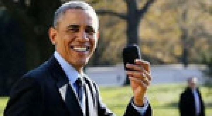 أوباما يعيد المروحية الرئاسية ليأخذ هاتفه