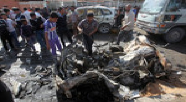 مقتل 3 وإصابة 12 آخرين في انفجار سيارة مفخخة في بغداد