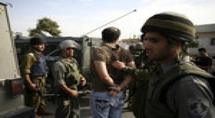 الاحتلال يعتقل 11 فلسطينيا في الضفة الغربية