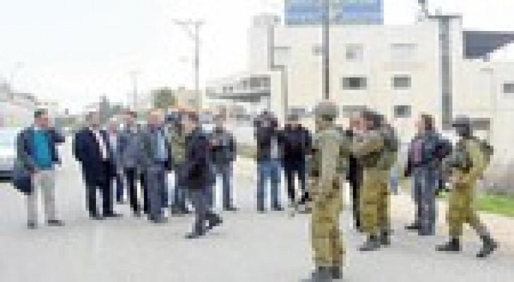 الرجوب وبلاتر يستنكرون اقتحام قوات الاحتلال لمقر الاتحاد الفلسطيني
