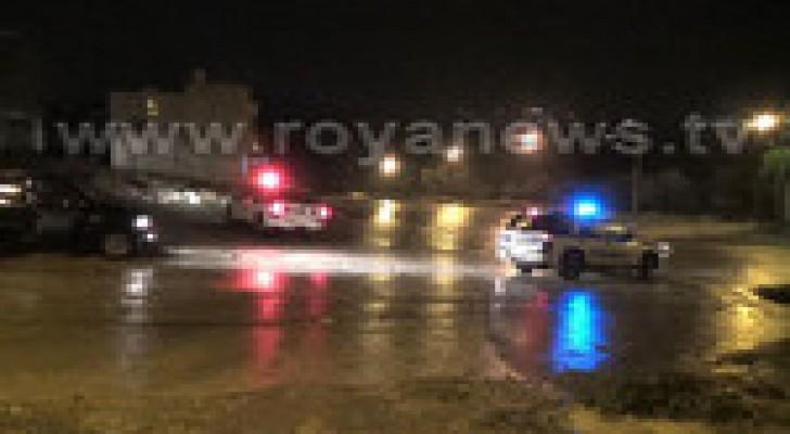 اغلاق طريق اربد وادي الغفر نتيجة السيول..صور