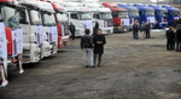 70 شاحنة مساعدات للسوريين عبر الأردن