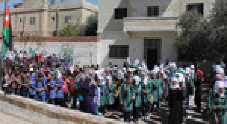 1.85 مليون طالب يعودون اليوم لمدارسهم