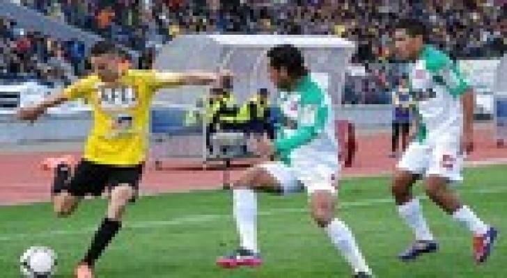 المغرب الفاسي يكتسح الفتح الرباطي بثلاثية في مباراة شهدت 3 بطاقات حمراء