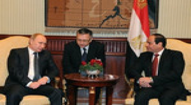 السيسي يستقبل بوتين في مطار القاهرة