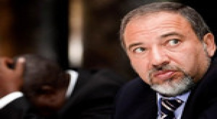 وزير خارجية الاحتلال الاسرائيلي : موشيه يعالون فشل في منصبه كوزير دفاع