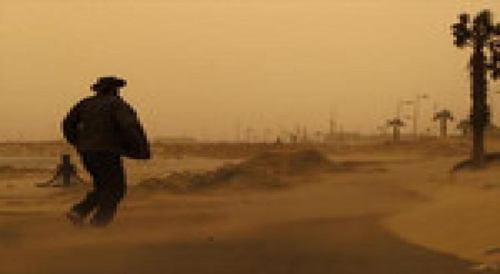 اغلاق طريق وادي عربة – البحر الميت بسبب الغبار وانعدام الرؤية