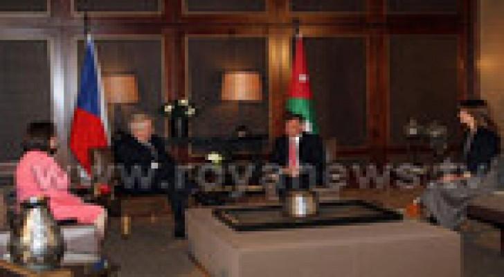 الملك والرئيس التشيكي يجريان مباحثات في عمان
