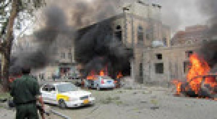 5 جرحى في انفجار استهدف نقطة أمنية جنوبي اليمن