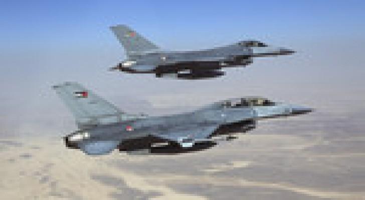 طائرات سلاح الجو الملكي تقصف أهدافاً منتخبةً للتنظيم الإرهابي وتدمرها