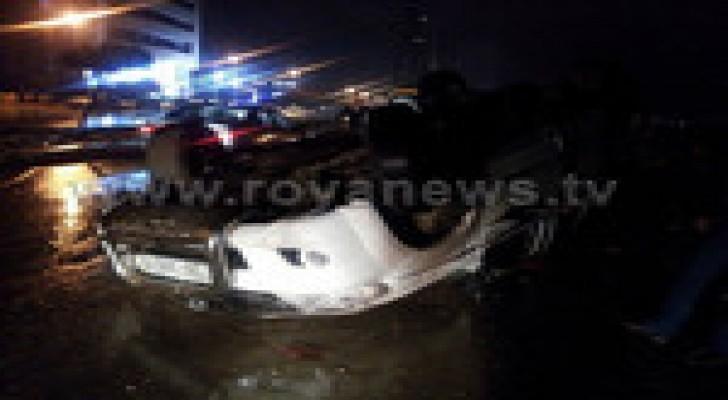 اصابة شخص اثر حادث انقلاب مركبة في اربد