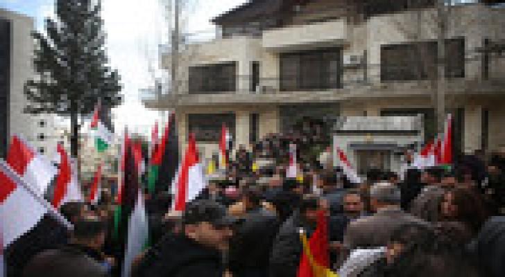 وقفة فلسطينية برام الله تضامنا مع المصريين