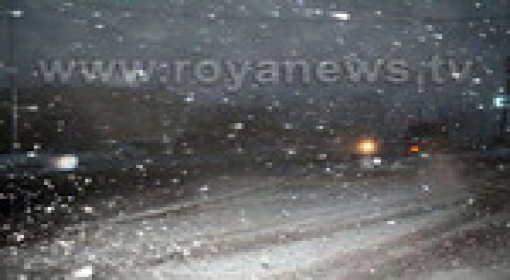 تساقط الثلوج والامطار في محافظة الزرقاء