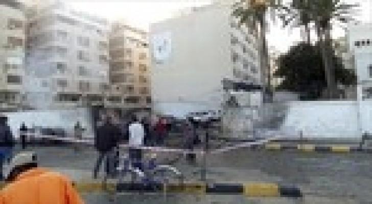 انفجار سيارة مفخخة قرب السفارة الإيرانية بطرابلس الليبية