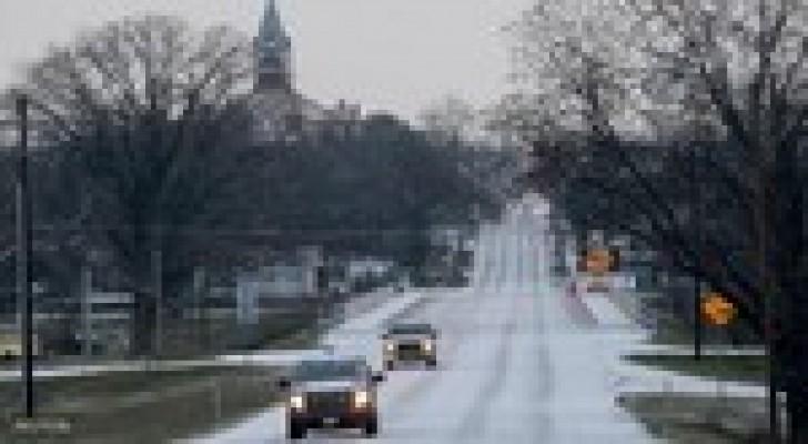 تكساس: عاصفة جليدية تلغي 1500 رحلة جوية