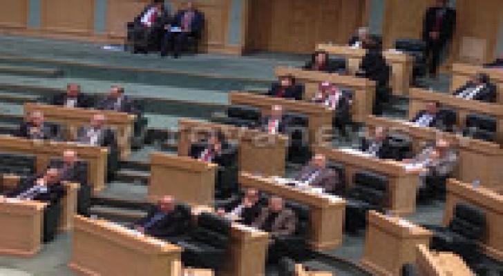 النسور يرد على كلمات النواب حول الموازنة العامة للعام 2015