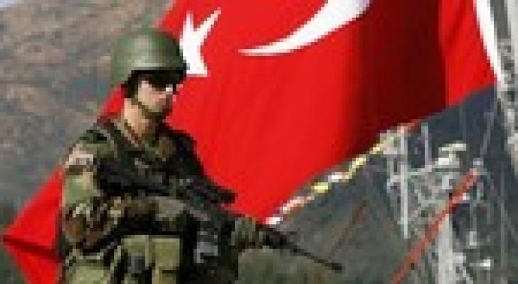 مقتل 3 عسكريين أتراك على يد آخر أصيب بنوبة عصبية حادة