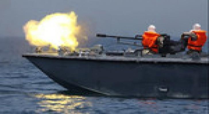 زوارق الاحتلال تفتح النار على الصيادين قبالة شاطئ غزة