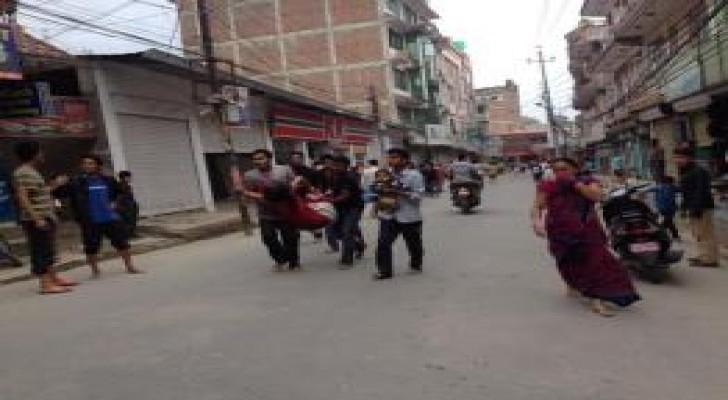 هزة جديدة في نيبال وأكثر من 2000 قتيل حصيلة زلزال امس
