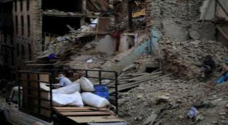 صور تظهر الدمار الذي خلفه الزلزال الجديد الذي ضرب نيبال أمس