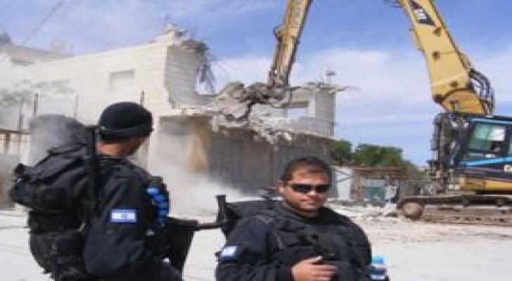 بلدية الإحتلال الإسرائيلي تهدم منزلا في القدس