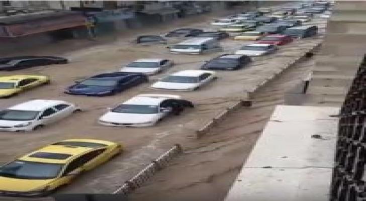 طقس العرب يوضح علميا أسباب تشكل السحابة الرعدية القوية على العاصمة الأردنية عمان