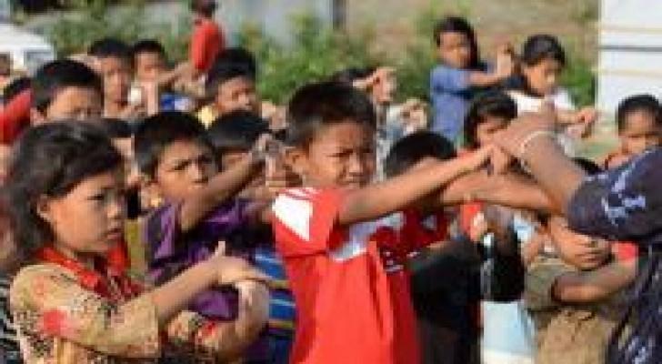أطفال نيبال يباعون في بريطانيا
