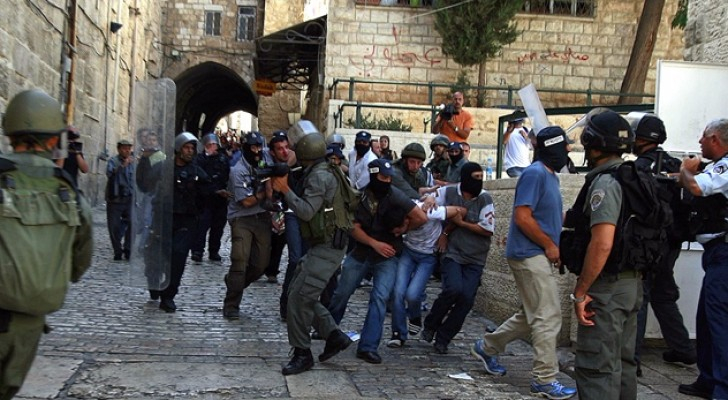 """اقتحامات ومواجهات """"محدودة"""" في القدس وضواحيها"""