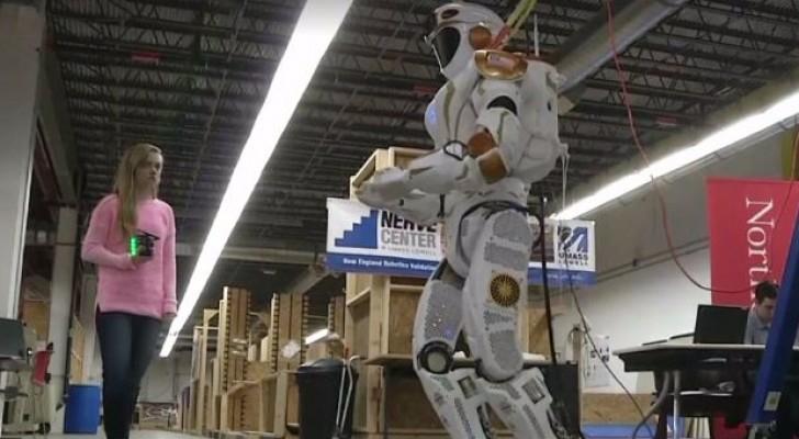 """ناسَا تُعدّ فريقًا من الروبوتات لاستعمار """" المريخ """""""