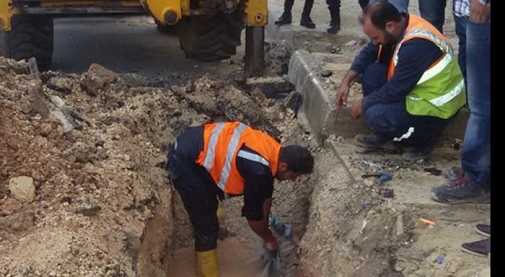 وزارة المياه والري تضبط اعتداء جديدا في منطقة الكمالية بالعاصمة عمان