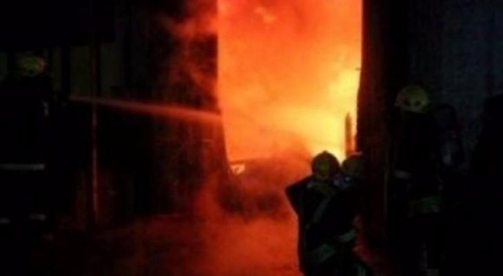حرائق تجبر المستوطنين في القدس المحتلة على اخلاء منازلهم
