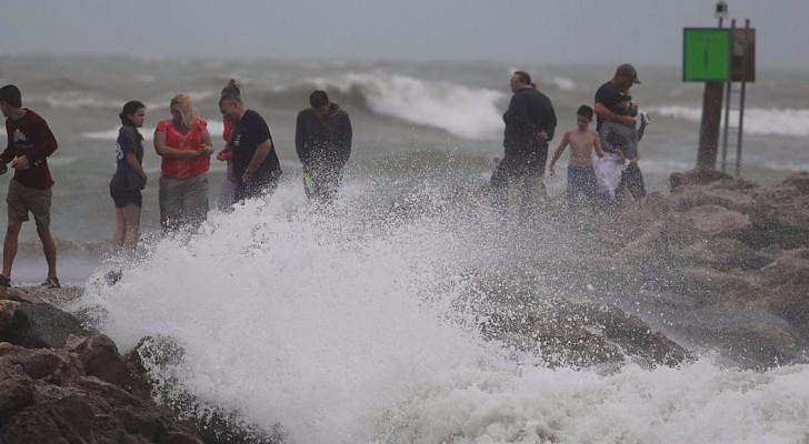"""فلوريدا تستعد لمواجهة العاصفة """"كولن"""" .. صور"""