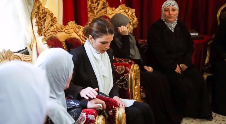 جلالة الملكة رانيا العبدالله تعزي الحيارات والعوامله والقعايده
