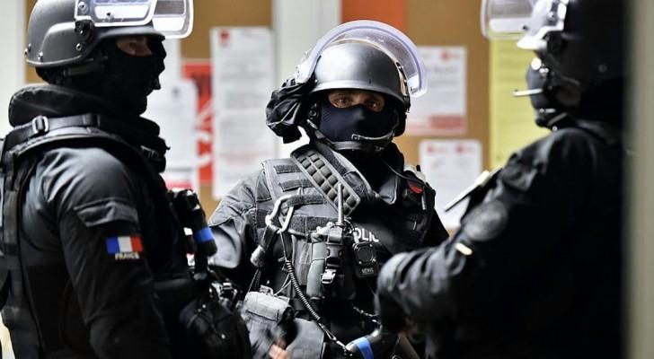 داعش يتبنى قتل ضابط بالشرطة الفرنسية في باريس