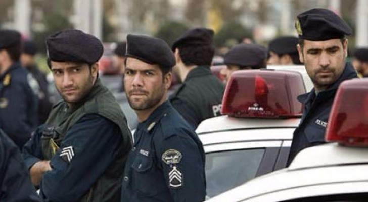 عناصر من الأمن الإيراني
