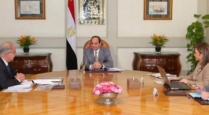 السيسي خلال الاجتماع مع الحكومة