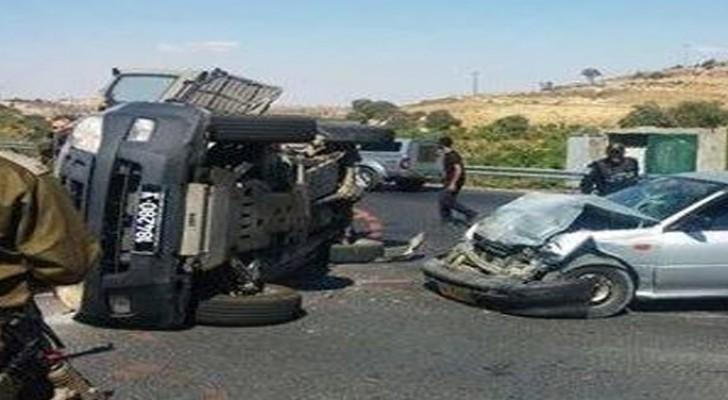 إصابة 4 جنود اسرائيلين وفلسطيني بانقلاب آلية عسكرية شمال الخليل