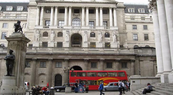 بنك انكلترا يبقي على مؤشر الفائدة الرئيسي دون تغير