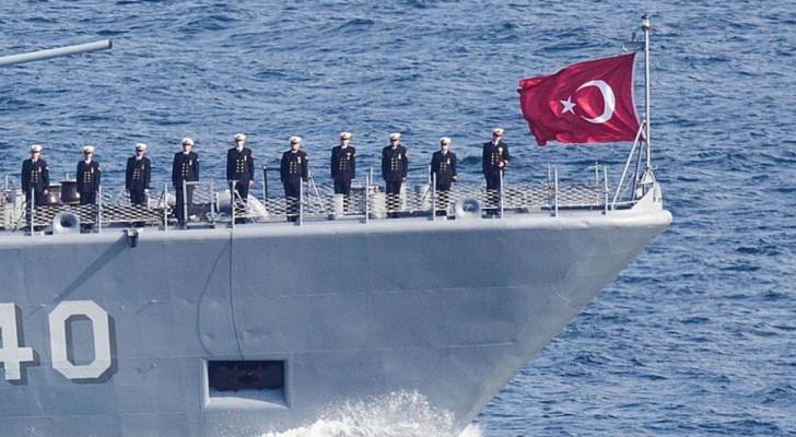 تقارير تتحدث عن اختفاء سفن حربية تركية والسلطات تنفي
