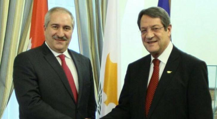 جوده يستعرض في قبرص أعباء اللجوء السوري على الأردن