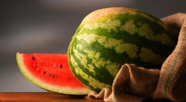 بالصور: إليك كيف تختار البطيخ المثالي