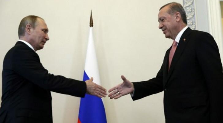 بوتين وأردوغان يتعهدان باستعادة علاقات اقتصادية قوية