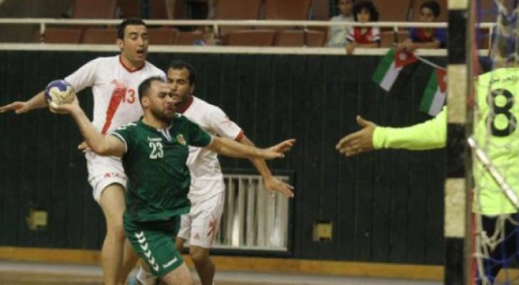 الاهلي يتخطى العربي في دوري كرة اليد