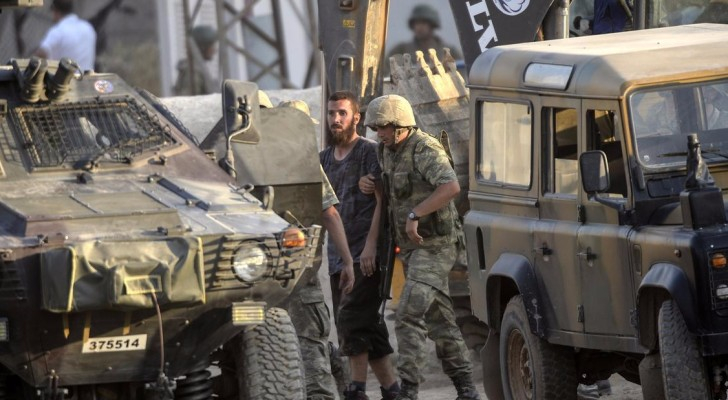 تركيا تلقي القبض على 815 شخصاً من داعش في 2016