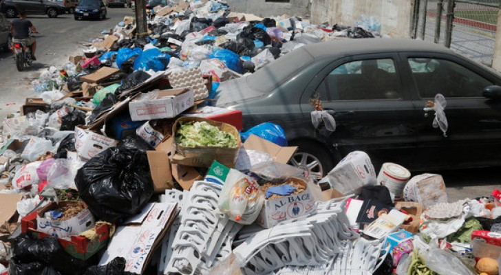 النفايات تتكدس مجددا في بيروت