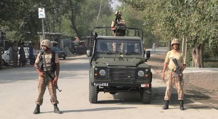 قتلى وجرحى بانفجارين في باكستان