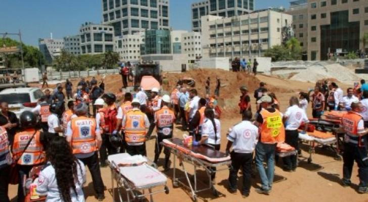 خمسة قتلى في انهيار مبنى المرآب في تل ابيب الاثنين