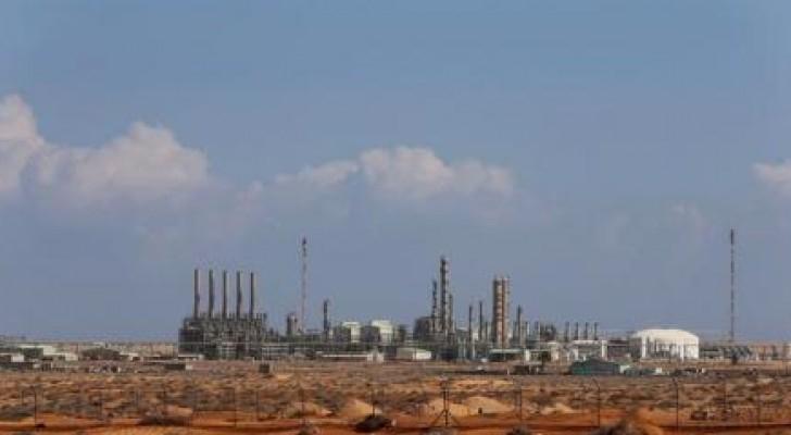 ليبيا: قوات حفتر تسيطر على موانئ نفطية رئيسية