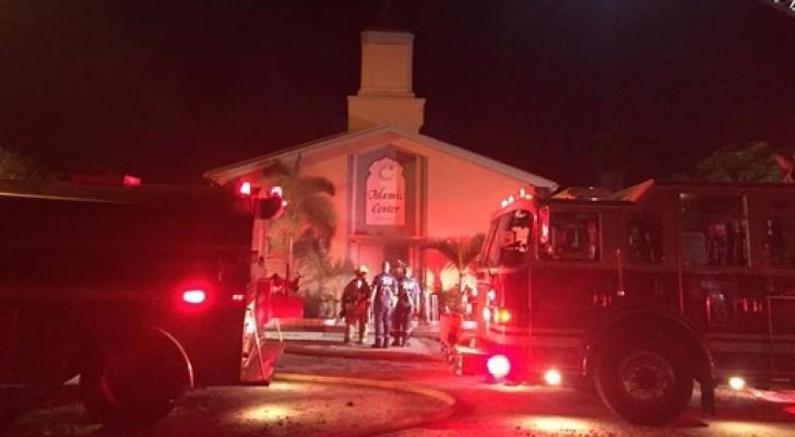 اندلاع حريق داخل مسجد في أمريكا