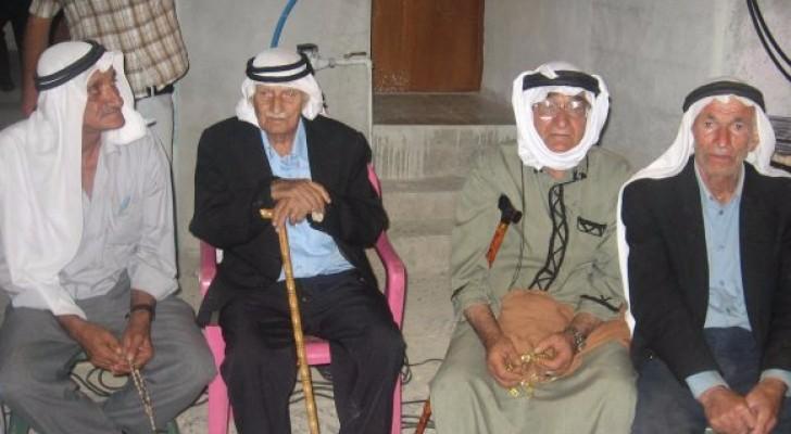 %4.5 من سكان فلسطين مسنون